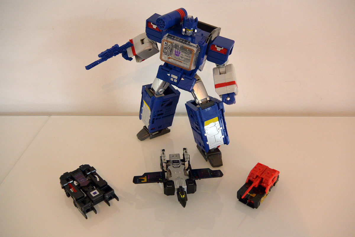 Soundwave-leader-10